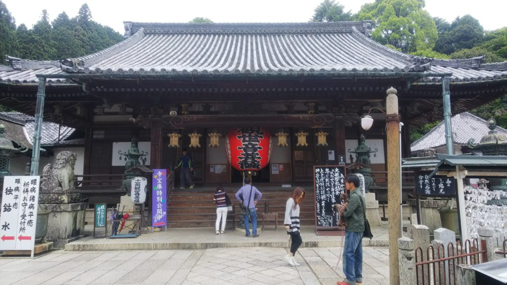 柳谷観音の本堂