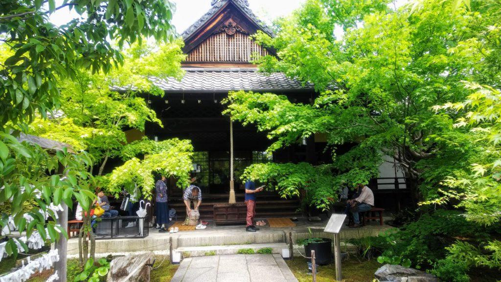 勝林寺の参拝所